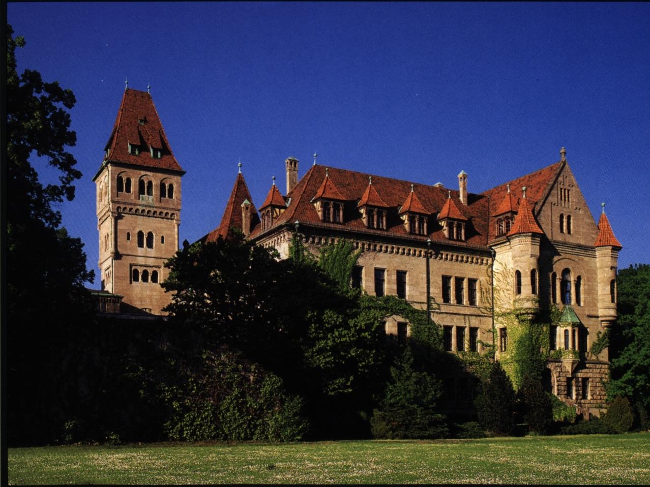 zamek rodu Faber-Castell w Stein